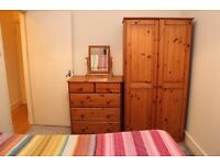 Lovely room and share nice flat and garden in good area, all bills included-no agency fees