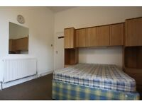 R. **********Two double rooms in the same flat. CALEDONIAN Road Zone 2*******************