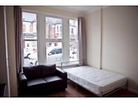 Tottenham - 2 x Studio, bedsit, all bills included AVAILABLE NOW