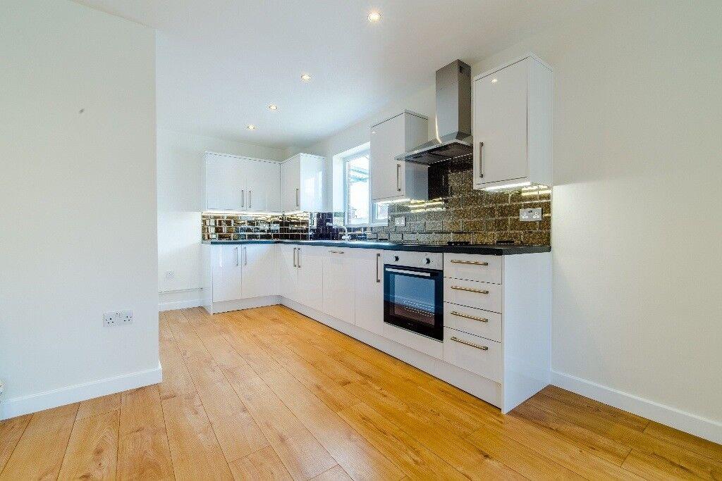 Stunning brand new 2 bedroom apartment nr Dagenham ...