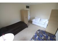 Beautiful twin room 5 min from TUFNEL PARK UNDERGROUND !! 14B