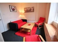 Central 4 Bedroom Flat, near Leith Walk would suit 4 Students, 4 Flat Sharing or Family