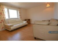 3 bedroom flat in Dunphail Drive, Glasgow, G34 (3 bed) (#433357)