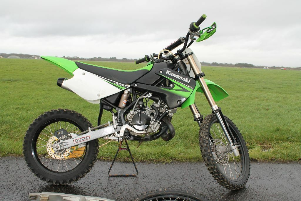 kawasaki kx85 2011 big and small wheel two owners kx 85 in lee on the solent hampshire. Black Bedroom Furniture Sets. Home Design Ideas