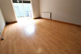 BILLS INCLUDED! IDEALLY LOCATED AMAZING LARGE DOUBLE GARDEN STUDIO 3 MINS WALK TO ZONE 3 TUBE, BUSES