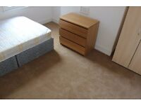spacious double room for single use in a new 3 bedroom flat Clapham North