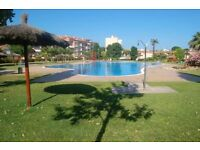 house with private garden, pool, padel, tennis 100€/night/5 people