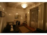 VERY LARGE 1 bed flat, SEPARATE LARGE LIVING ROOM & LARGE KITCHEN/DINER
