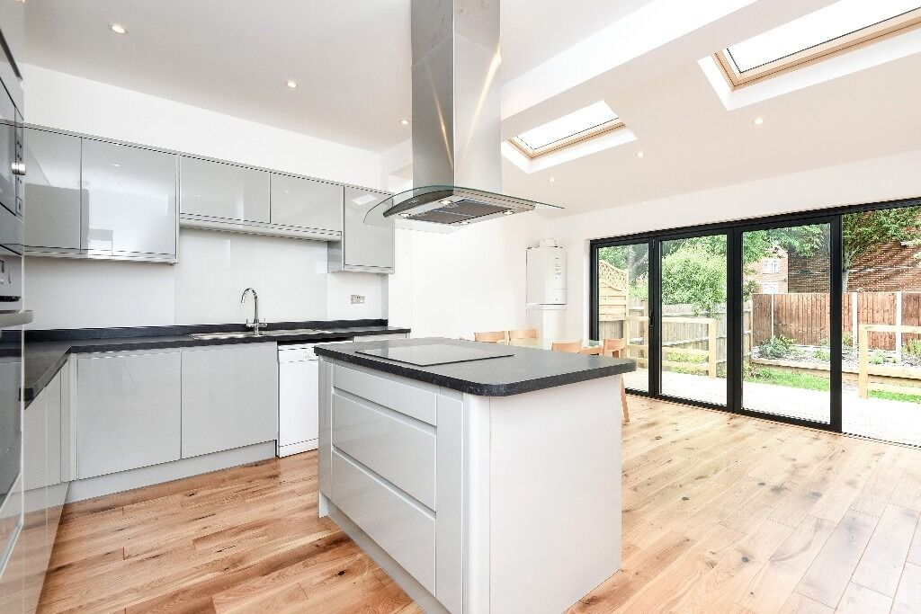 Strathville Road, SW18 - Exceptional four bedroom mid terrace Victorian house with garden - £2850pcm
