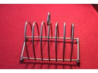 Vintage EPNS 6 slice toast rack Very good condition 12cm tall. 14cm, long