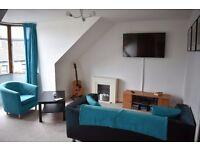 3 bedroom flat next to UWS Paisley