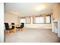 2 bedroom flat in Highfield Court, Highfield Road, Golders Green, NW11