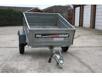 Erde 102 Trailer with quick release facility