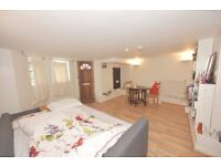 (Waller Rd) well presented studio flat, separate fully fitted kitchen,3 piece bathroom,free parking