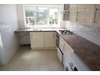 No Agent Fees, Students or Professionals, 4 double bedrooms house, furnished.