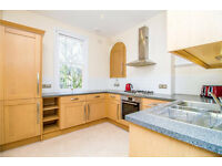 Perfect 2 bedroom flat in Snaresbrook available now