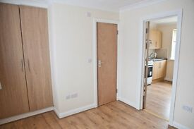 Gants Hill - 1 x room with ensuite and 1 x self contained unit with ensuite and kitchen area