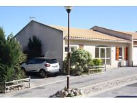 Spacious modern 3 bedroom villa, parking for 2 cars with shared pools in Fitou, South West France