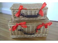 2 x WICKER HAMPER/STORAGE BASKETS