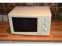 Sanyo Microwave Oven with grill setting.