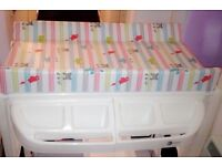 Unisex baby changing and bath unit