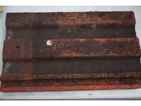 MARLEY / REDLAND ROOF TILES. APPROXIMATELY 500 TILES IN VERY GOOD CONDITION. NORTH LONDON