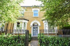 1 bedroom flat in Lordship Park, London, N16 (1 bed) (#1134298)