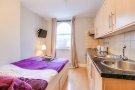 STUDIO AT SOUTH KENSINGTON STATION AVAILABLE, ALL BILLS INCLUDED ,MODERN BUILDING WITH CONCIERGE
