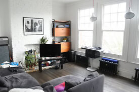 Absolutely beautiful two large double bedroom flat opposite Priory Park, INC COUNCIL TAX