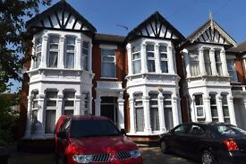 Bright & Spacious One Bedroom Ground Floor Flat to Let on Redcliffe Gardens, Ilford IG1 3HG
