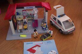 Playmobile 5012 Emergency Clinic and Ambulance