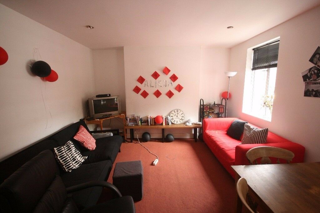 Two Bedroom Flat For Rent Only £350pw