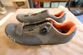 Road R5B Shoes (Sinze 44 EUR) / Carbon Reinforced Nylon