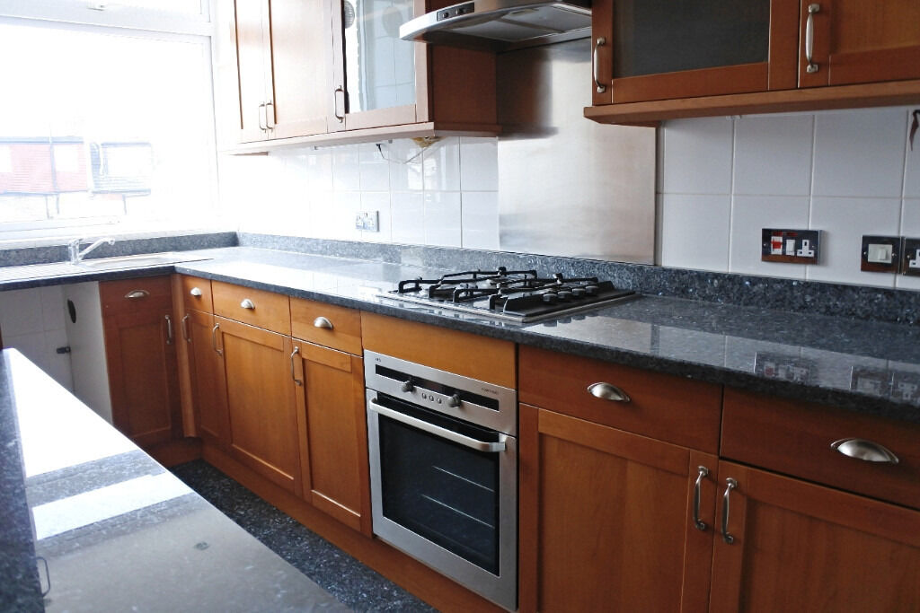 Fantastic three double bedroom property in the heart of Crouch End !