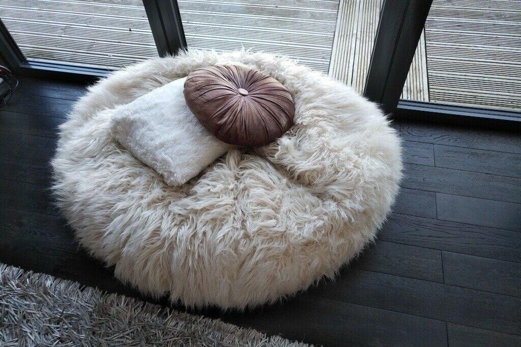 Awe Inspiring Bean Bag Large Scandi Style Mongolian Lambswool Dunelm Still Being Stocked In Giffnock Glasgow Gumtree Inzonedesignstudio Interior Chair Design Inzonedesignstudiocom