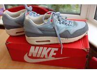 Womens Nike Air Max 1 trainers UK5