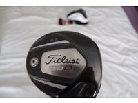 Titliest 910 d2 driver with head cover