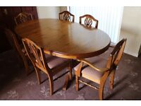 Ducal Pine Extendable Dining Table and 6 Chairs in Excellent Condition