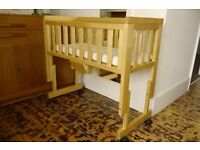 Quality wooden bedside crib, organic cotton mattress + protectors and sheet – fantastic cond