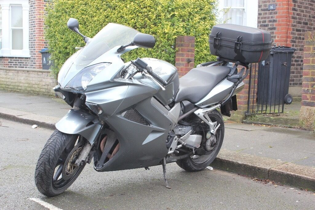 honda vfr 800 vtec 2003 silver in kingston london gumtree. Black Bedroom Furniture Sets. Home Design Ideas