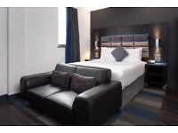 Roomzzz Aparthotel, Chester