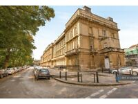 2 bedroom flat in Tff 2 Victoria Square, Bristol, BS8 (2 bed) (#1209584)