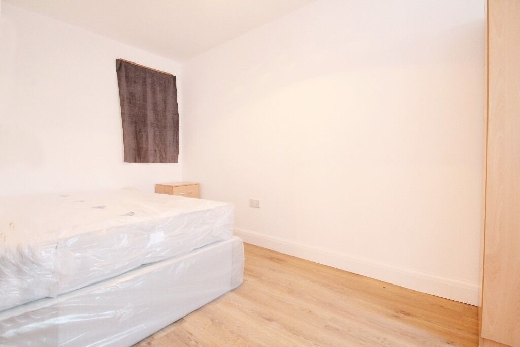 x6 Brand new rooms available in willesden
