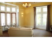 High quality unfurnished studio apartment to let.