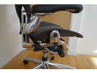 Herman Miller Aeron Chair Polished Aluminimum Fully Loaded Executive