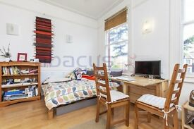 a stunning beautiful large studio located in kilburn please call 07811675542