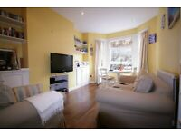Live Life in Oval. Lovely 1 bedroom apartment available, 5 mins from the station!