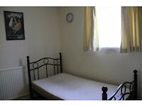 SINGLE ROOM TO LET, LARGE, MODERN AND FURNISHED, QUIET HOUSE WITH BILLS INCLUDED, GOOD AREA