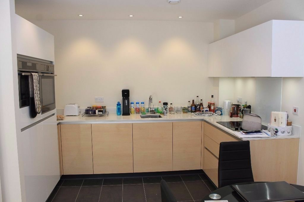 @ Greenwich Millenium Village - One Bedroom apartment in amazing location - Large - High spec!
