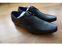 Black work shoes, size 7